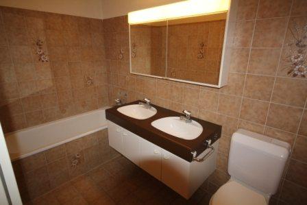 Badezimmer renovieren: Bad alt
