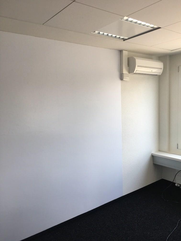 whiteboard-wall-zufriedener-kunde