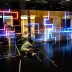 Fluoreszierende Farbe für den Boden einer Disco