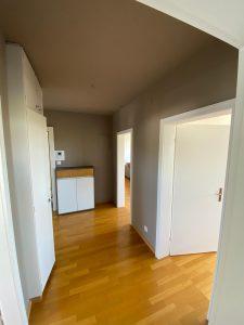 Zimmer streichen mit farbiger Akzentsetzung_Flur nachher