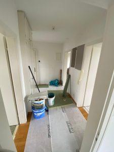 Zimmer streichen mit farbiger Akzentsetzung_Flur vorher